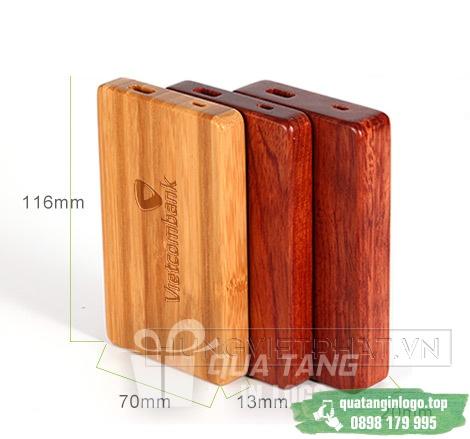 PGV 12 qua tang pin sac vo go khac logo theo yeu cau lam qua tang khach hang quang cao thuong hieu (4)