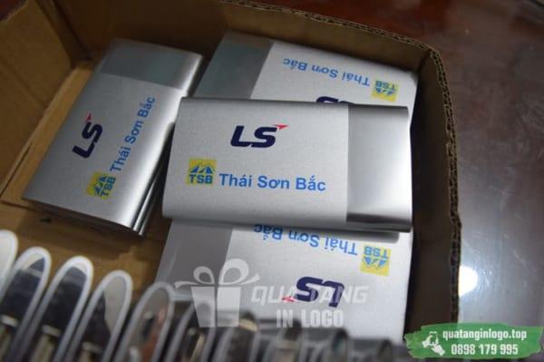 PKV 002 Qua tang pin sac du phong in logo khac logo cong ty lam qua tang khach hang quang cao thuong hieu (7)