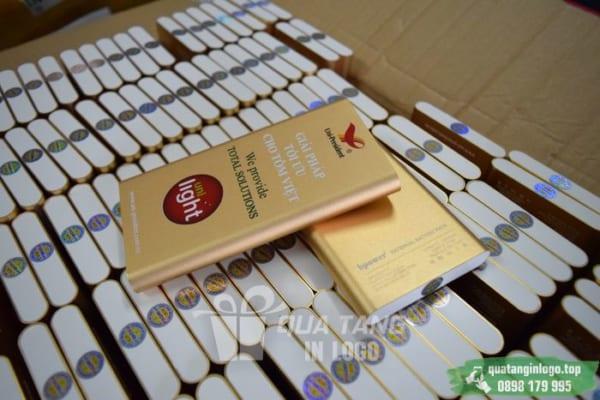PKV 09 qua tang in logo pin sac du phong lam qua tang khach hang quang cao thuong hieu doanh nghiep (1)