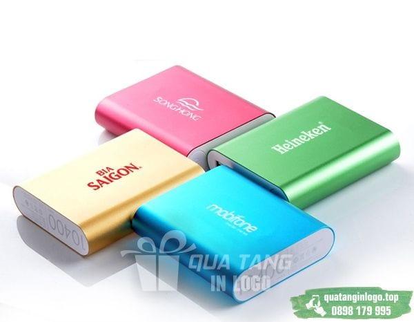 PKV 10 qua tang pin sac du phong in logo cong ty lam qua tang khach hang quang cao thuong hieu doanh nghiep (1)