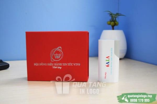 PNV 02 san xuat qua tang pin sac du phong in logo quang cao thuong hieu cong ty (1)