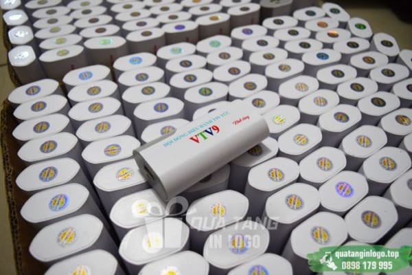 PNV 02 san xuat qua tang pin sac du phong in logo quang cao thuong hieu cong ty (9)