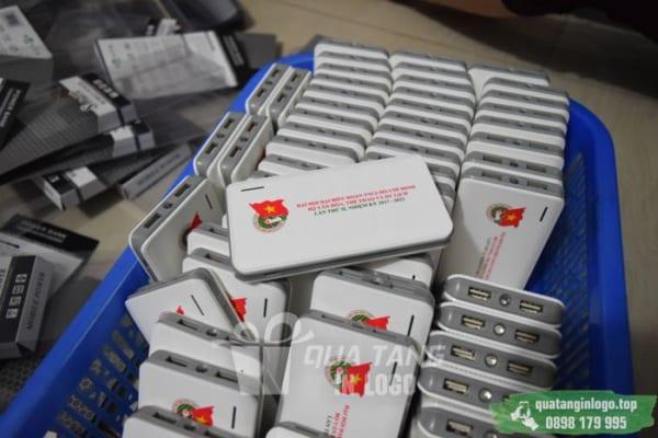 PNV 03 qua tang pin sac du phong in logo quang cao thuong hieu doanh nghiep (10)