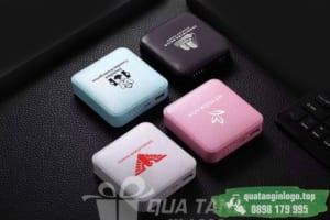 PNV 21 qua tang pin sac du phong in logo cong ty lam qua tang khach hang quang cao doanh nghiep (1)