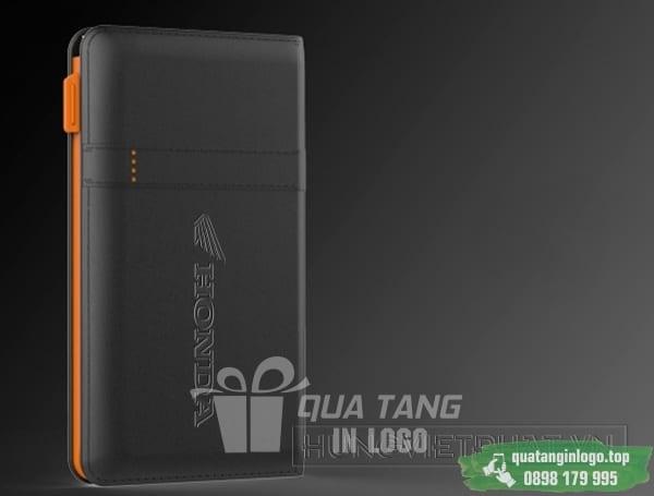 PNV 30 qua tang pin sac du phong in logo cong ty lam qua tang khach hang quang cao doanh nghiep (3)