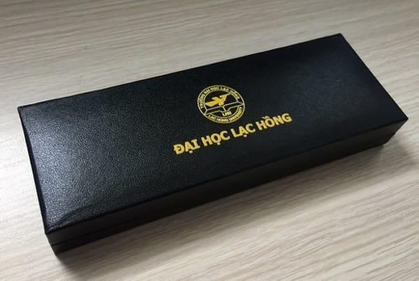 BHT 06 hop dung but cao cap in logo qua tang khach hang quang cao cong ty (1)