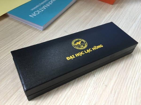 BHT 06 hop dung but cao cap in logo qua tang khach hang quang cao cong ty (5)