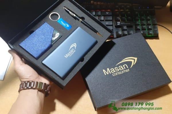 GIFTSET qua tang khac logo Doanh nghiep Masan lam qua tang(Pin+But+USB+Namecard)