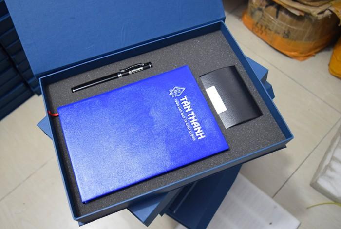 GST 09 -Giftset - Bo qua tang 3in1 So tay so da-but ky kim loai-hop vi namecard in logo khac logo lam qua tang khach hang VIP quang cao thuong hieu cong ty (1)