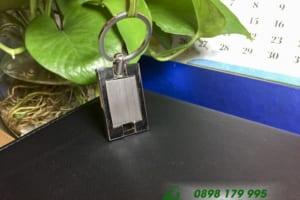 MKT 09 moc khoa kim loai hinh chu nhat in khac logo qua tang khuyen mai quang cao thuong hieu doanh nghiep_3
