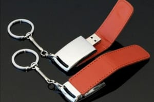 UDT 08 - USB phoi da in khac logo thuong hieu doanh nghiep (8)