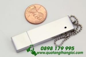 UKT 04 - USB kim loai in khac logo doanh nghiep (4)