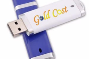 UNT 01 - USB vo nhua nap day in khac logo lam qua tang (1)