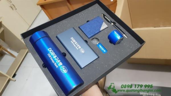 GIFTSET Bo Qua tang Vip khac logo ngan hang Daegu lam qua tang khach hang(Pin Xiaomi-Binh Giu Nhiet-Loa Bluetooth-USB-But Kim Loai-NameCard)