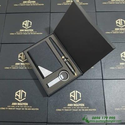 GIFTSET Bo Qua tang (USB kim loai+But kim loai+Hop Dung Namecard) khac logo doanh nghiep