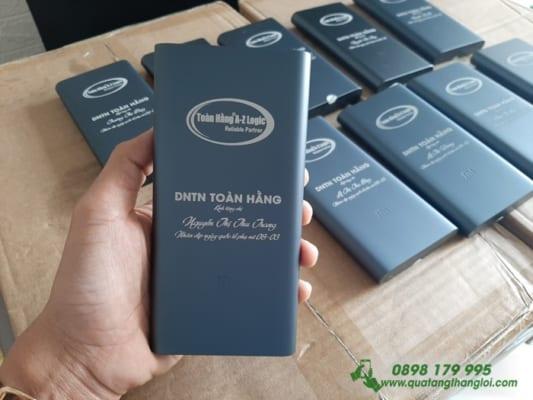 Pin Sac Xiaomi gen3 10000mAh khac theo ten lam qua tang Nhan Vien