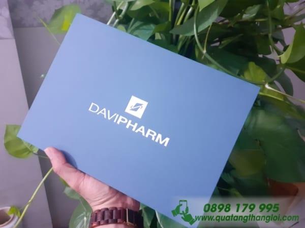 Hộp Đựng quà Âm Dương ép kim bạc logo DAVIPHARM làm quà tặng khách hàng